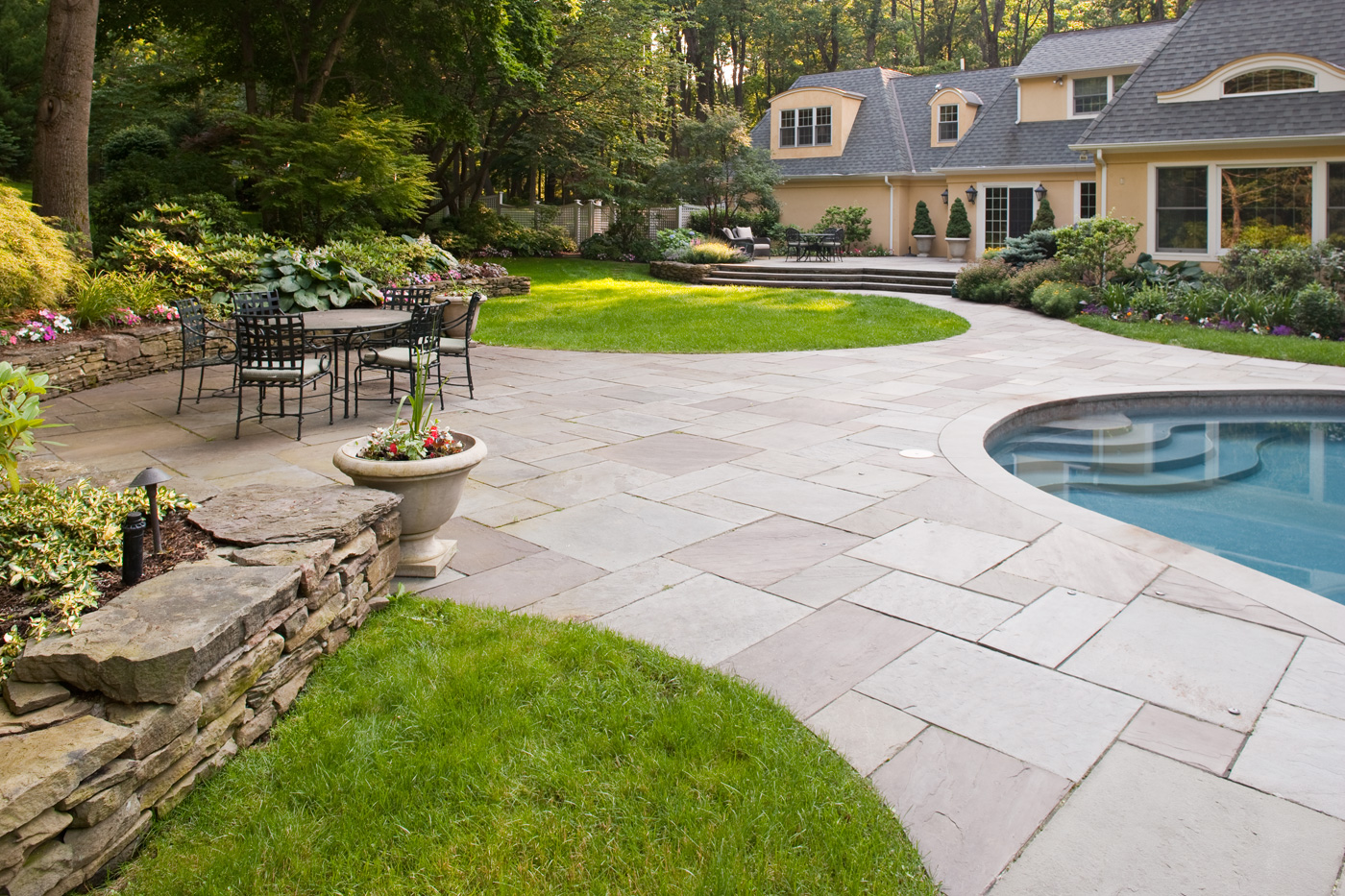 Bluestone Patio Landscaping