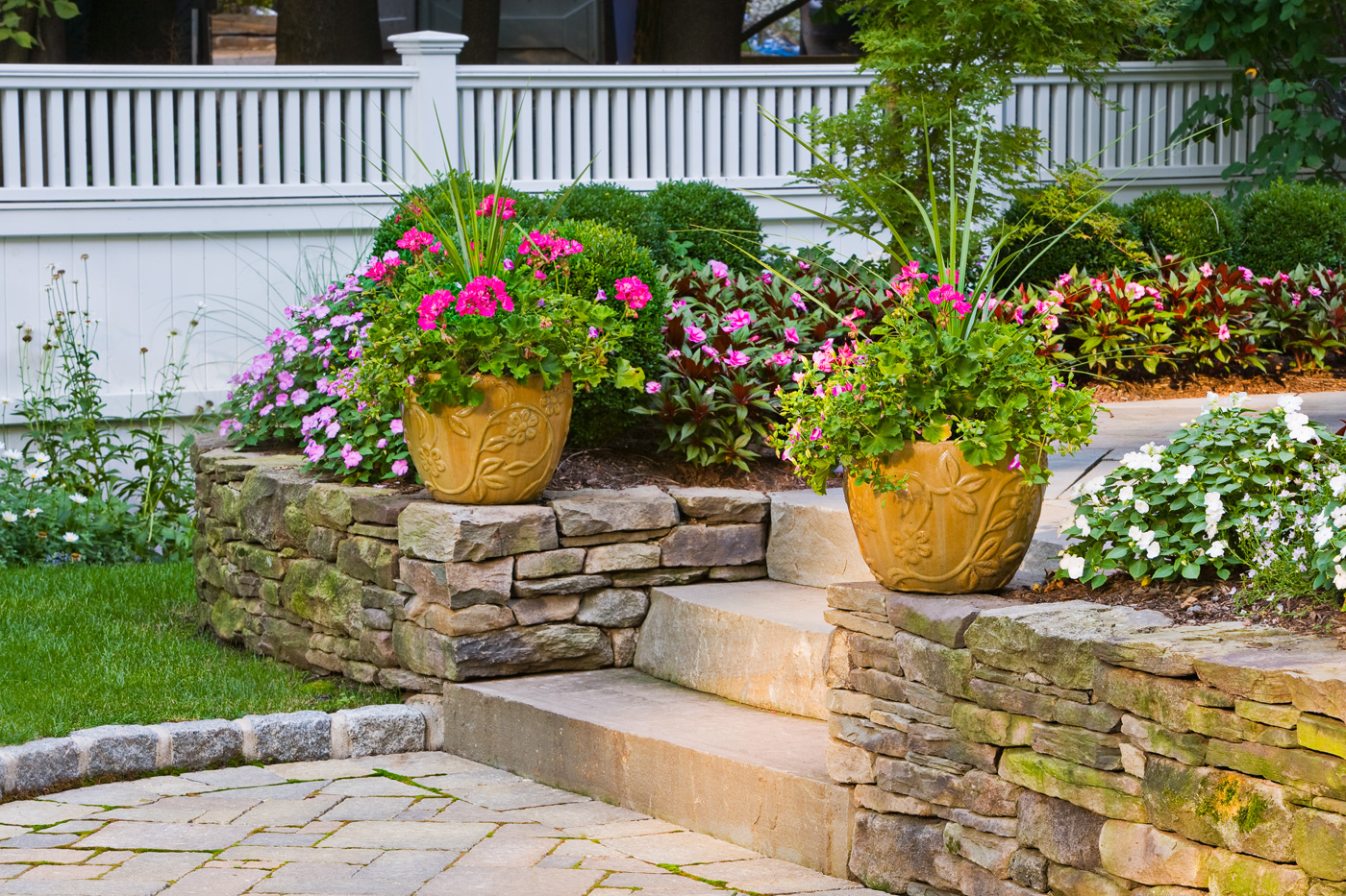 stone seat wall by cording landscape design - Walls By Design