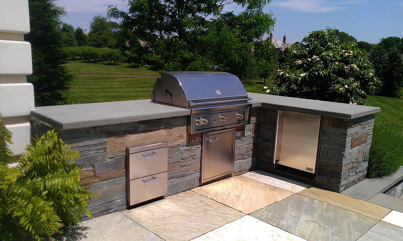 BBQ Area Dining by Cording Landscape Design