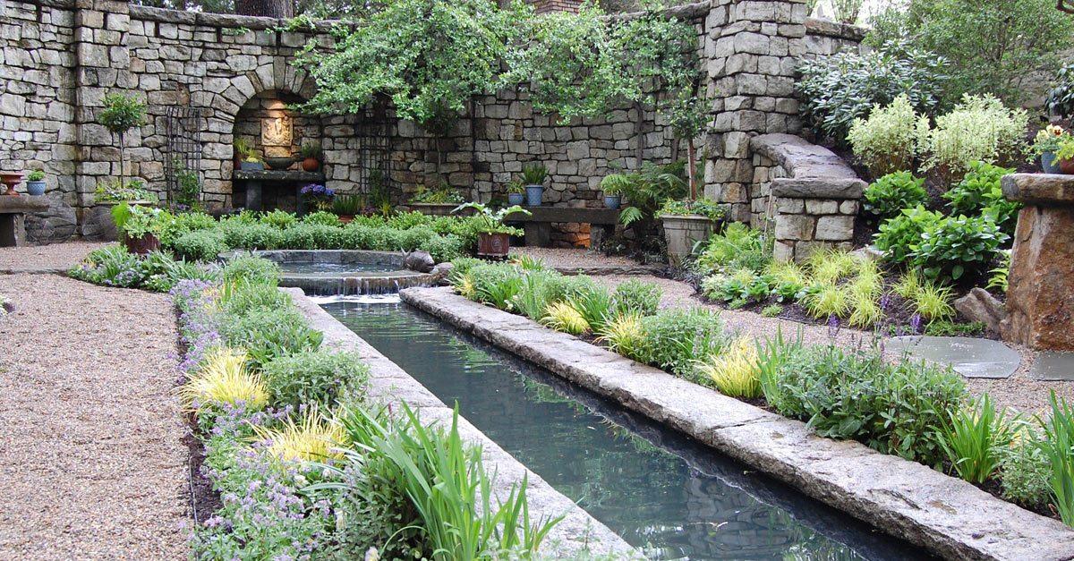 Award Winning Garden For Mansion In May