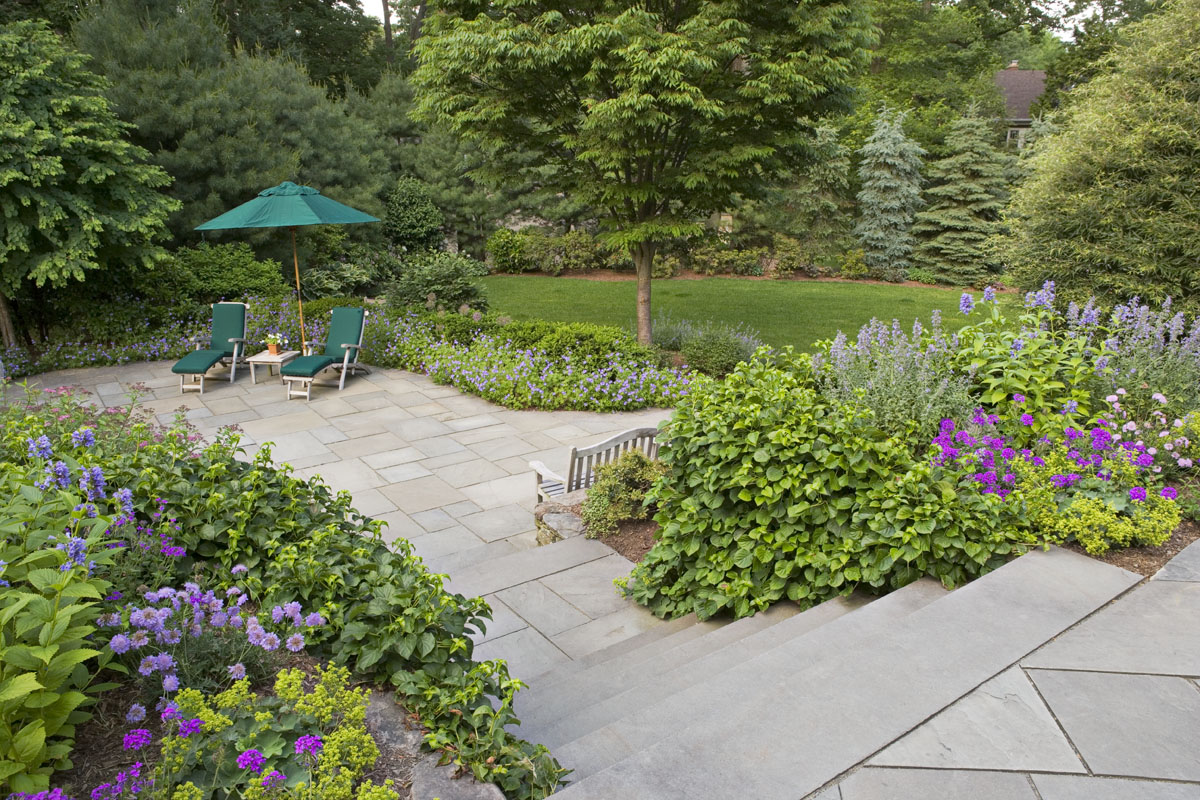 beautiful ideas using natural stone for your patio surface